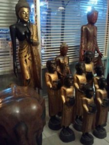 Buddhas at the Thai Spoon